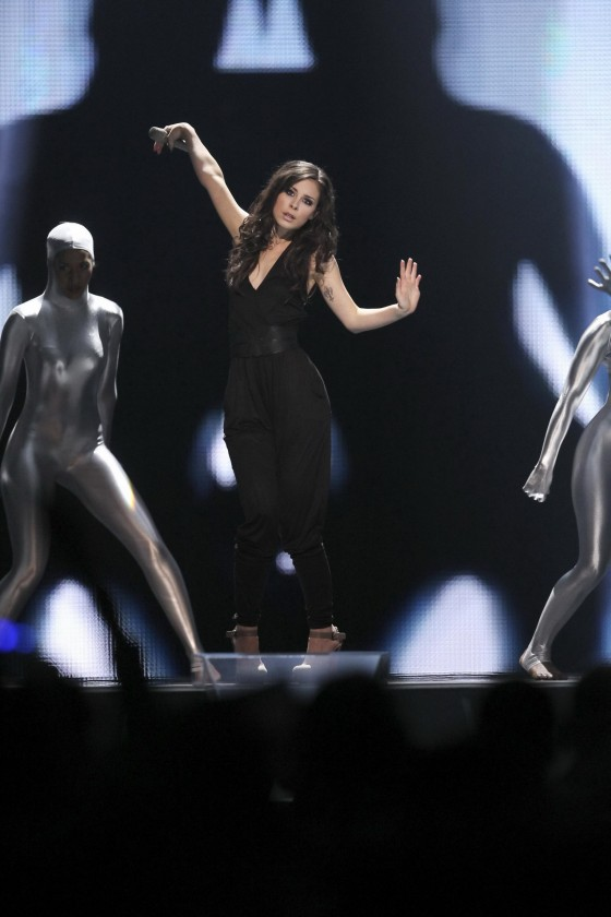 lena-meyer-landrut-pics-from-eurovision-song-contest-finale-14