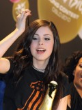 lena-meyer-landrut-winner-of-eurovision-song-contest-2010-hq-pics-03