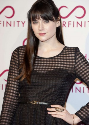 Lilah Parsons: Hairfinity Launch Party -01