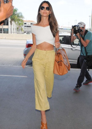 Lily Aldridge - Arriving at LAX airport in Los Angeles