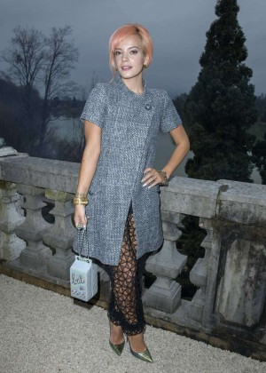 Lily Allen: Chanel Metiers dArt Collection 20115 Paris-Salzburg -10