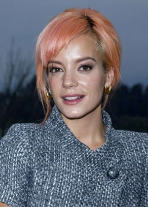 Lily Allen: Chanel Metiers dArt Collection 20115 Paris-Salzburg -12