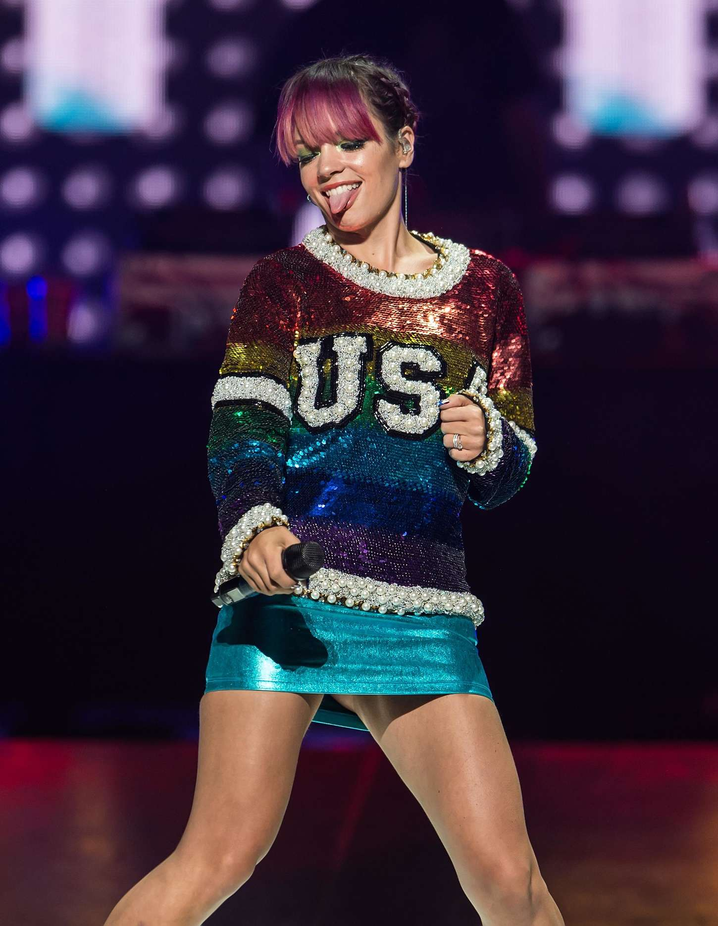 Lily Allen Live Supporting Miley Cyrus Wells Fargo Center in Philadelphia