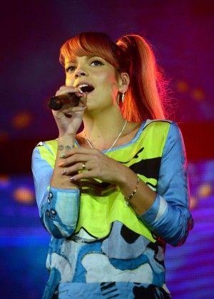 Lily Allen performing Hordern Pavillion Sydney