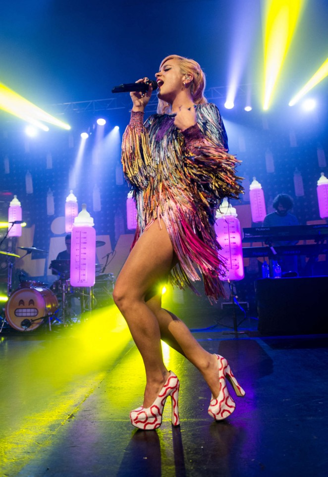 Lily Allen - Performs Live at the 02 Academy in Birmingham