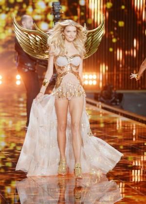 Lily Donaldson: 2014 VS Fashion Show Runway -04
