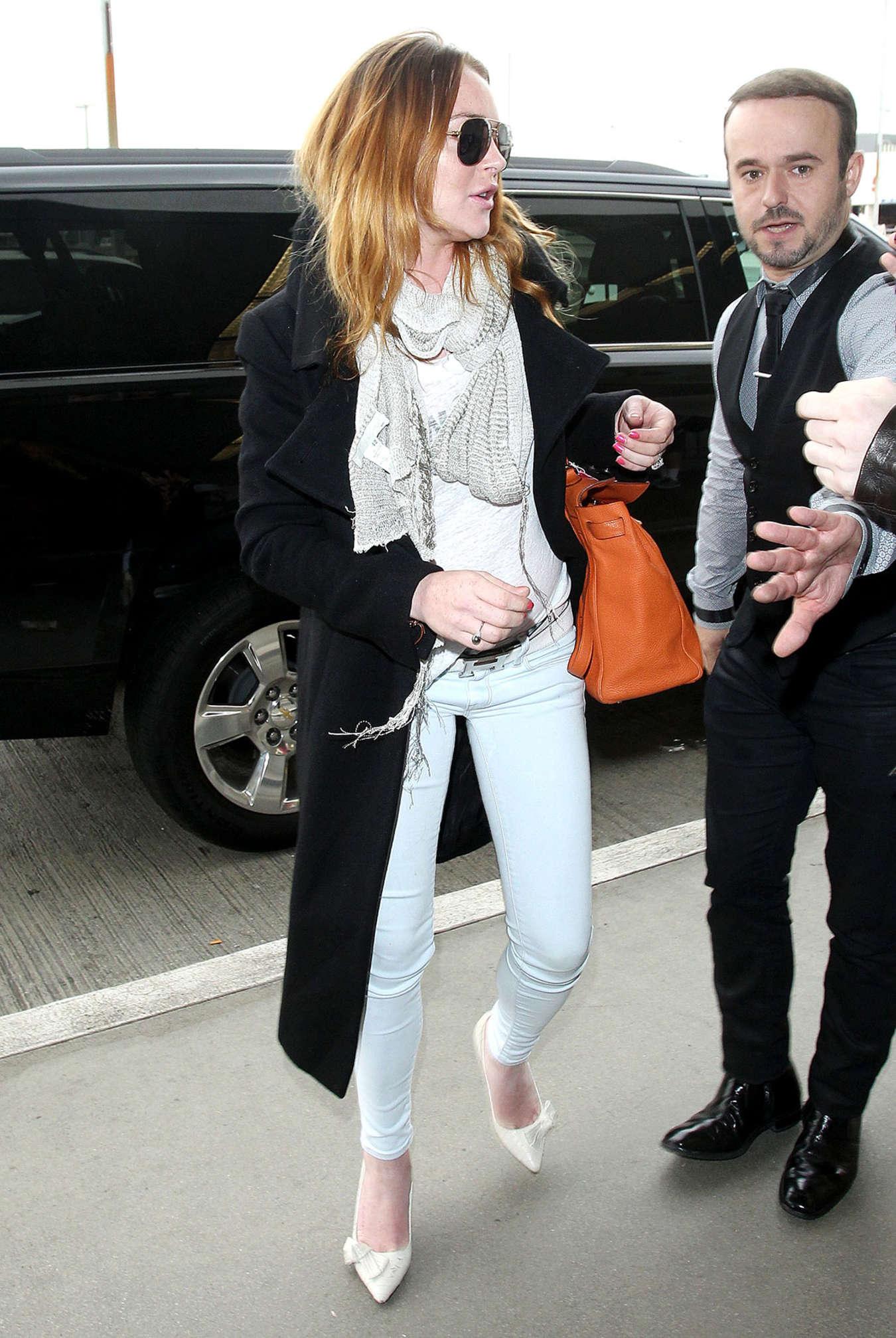 Lindsay Lohan 2015 : Lindsay Lohan at JFK Airport -01