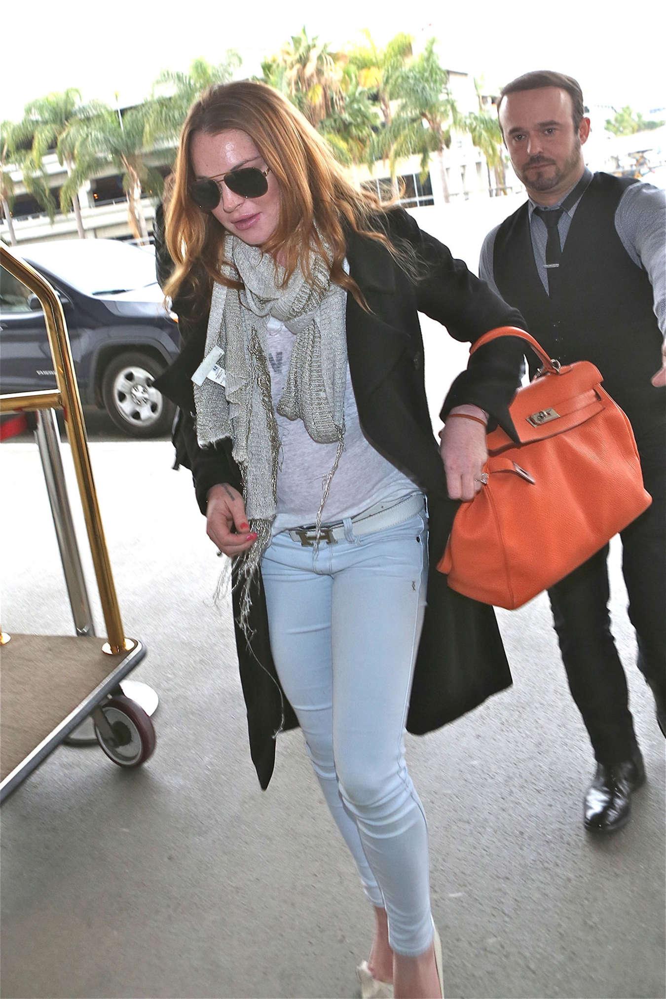 Lindsay Lohan 2015 : Lindsay Lohan at JFK Airport -03