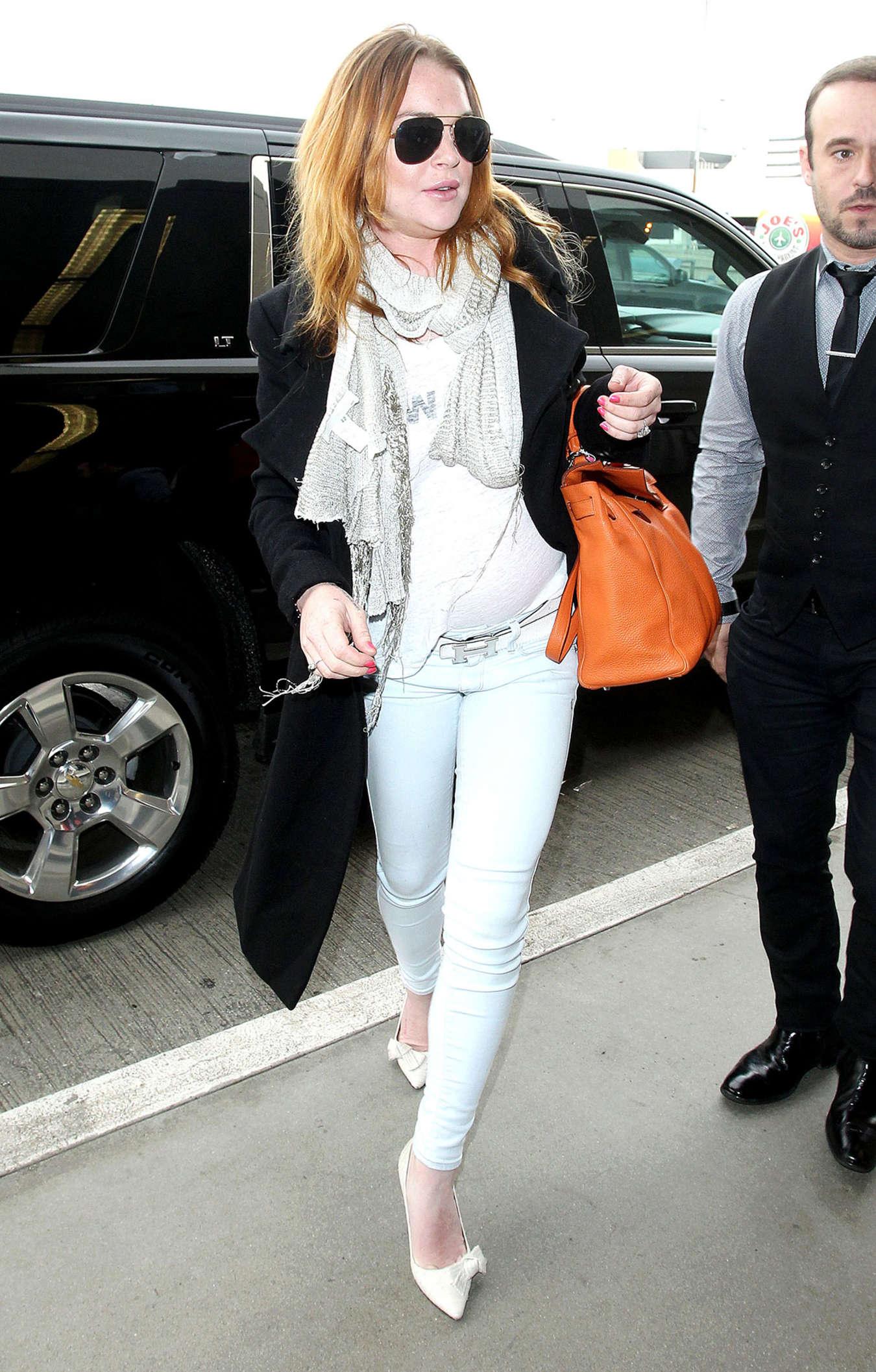 Lindsay Lohan 2015 : Lindsay Lohan at JFK Airport -10