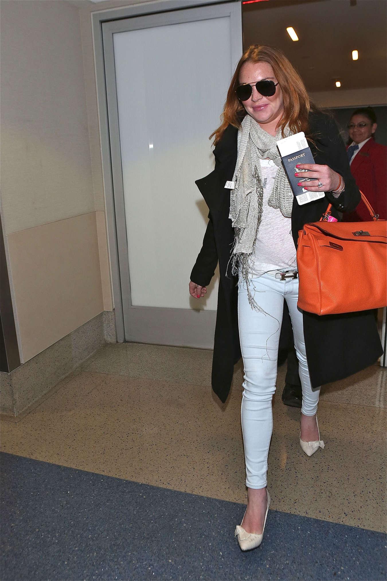 Lindsay Lohan 2015 : Lindsay Lohan at JFK Airport -11