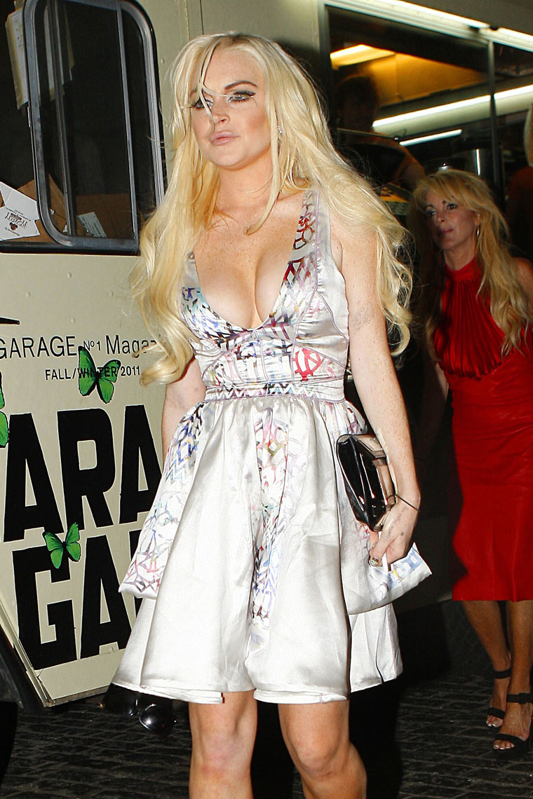 Cleavage Lindsay Lohan nudes (64 photos), Sexy, Is a cute, Twitter, cleavage 2017