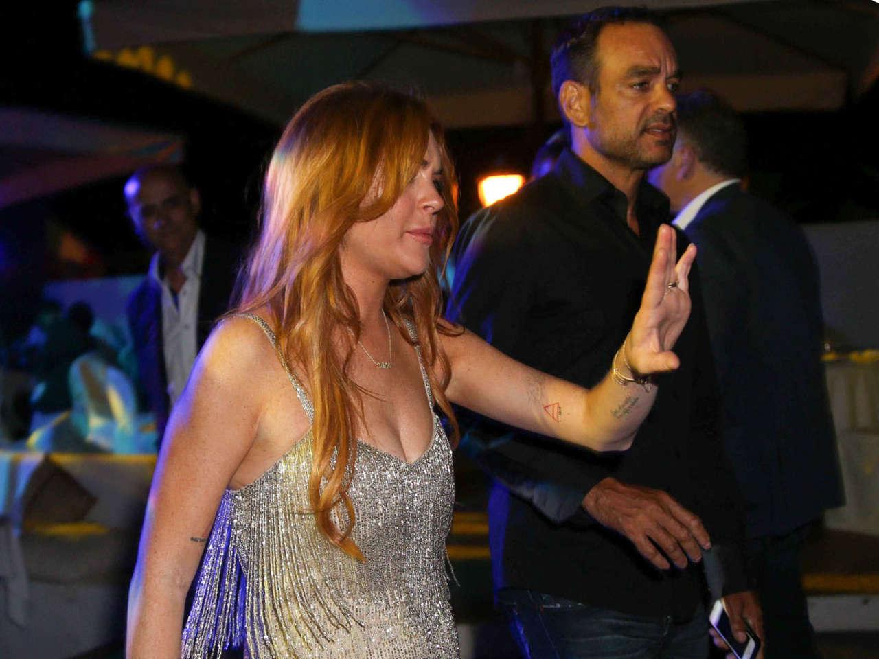 Lindsay Lohan 2014 : Lindsay Lohan Falling Down -15