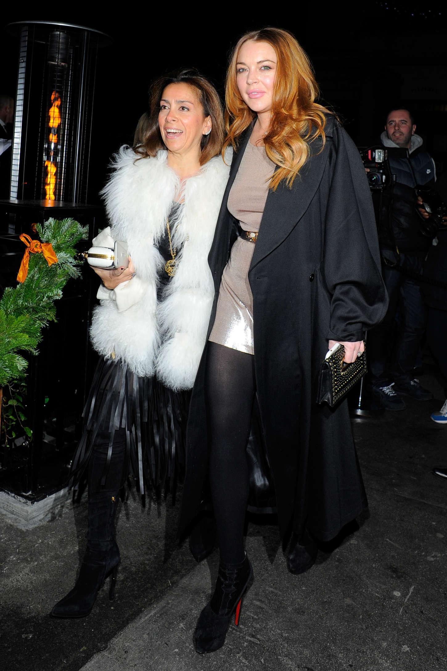 Lindsay Lohan Love Magazine Balmain Christmas Party 01
