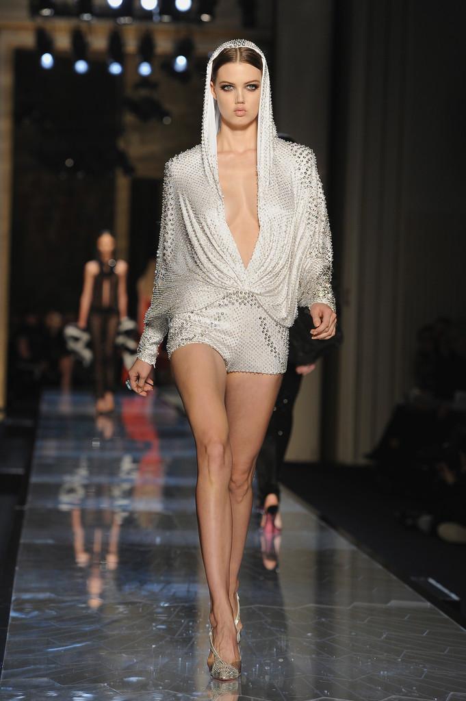 Lindsey Wixson: Atelier Versace fashion show in Paris