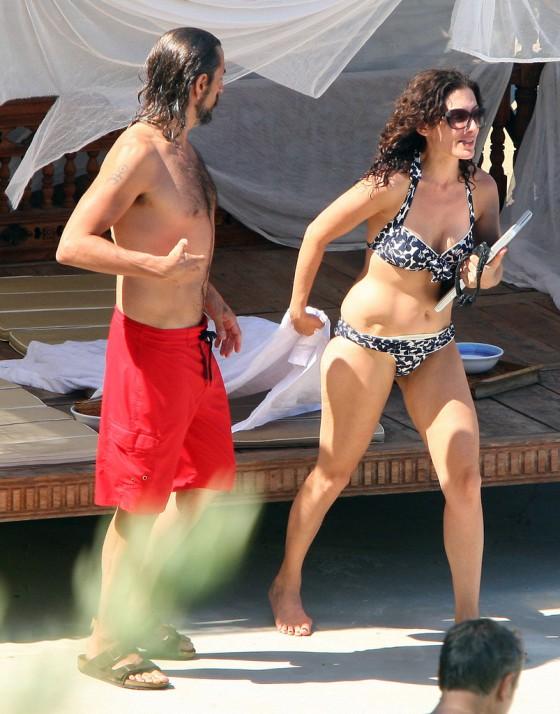 Lisa Edelstein Bikini In Italy 14 Gotceleb