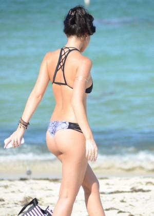 Lisa Opie in Bikini -10