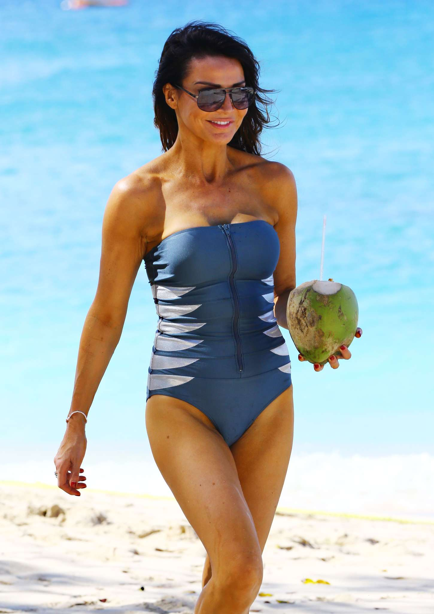 Lizzie Cundy Wearing Swimsuit On A Beach In Barbados