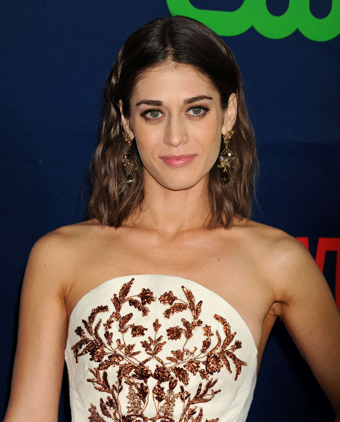acclaimed actress lizzy caplan - HD 2550×3162