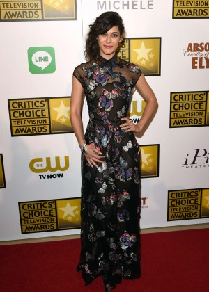 Lizzy Caplan -  2014 Critics Choice Television Awards in Beverly Hills -02