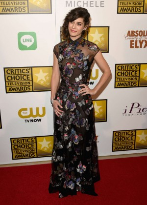 Lizzy Caplan -  2014 Critics Choice Television Awards in Beverly Hills -04