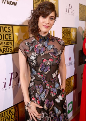 Lizzy Caplan -  2014 Critics Choice Television Awards in Beverly Hills -05