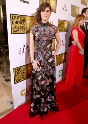 Lizzy Caplan -  2014 Critics Choice Television Awards in Beverly Hills -07