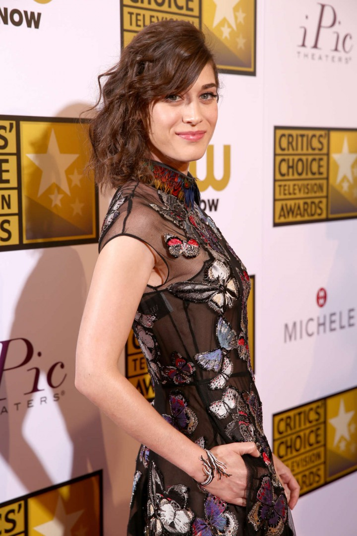 Lizzy Caplan -  2014 Critics Choice Television Awards in Beverly Hills -09