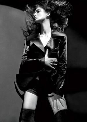 Lizzy Caplan - LA Confidential Magazine (September 2014)