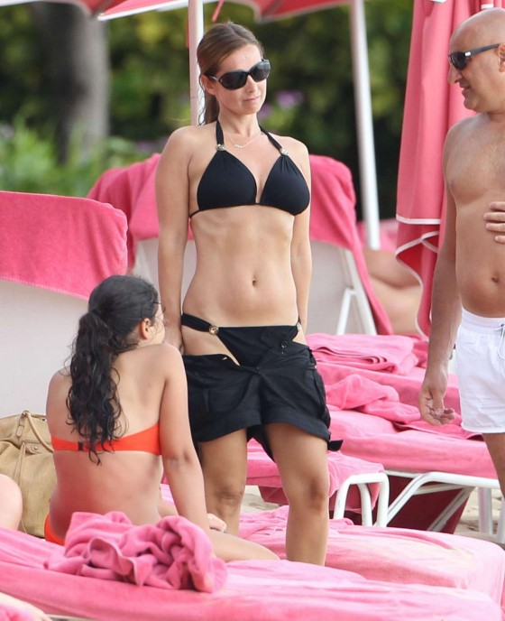 Louise Redknapp new bikini photos