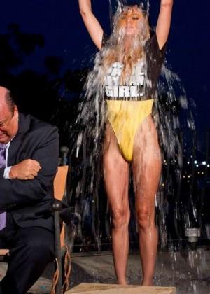 Luci Ford: Ice Bucket Challenge -02
