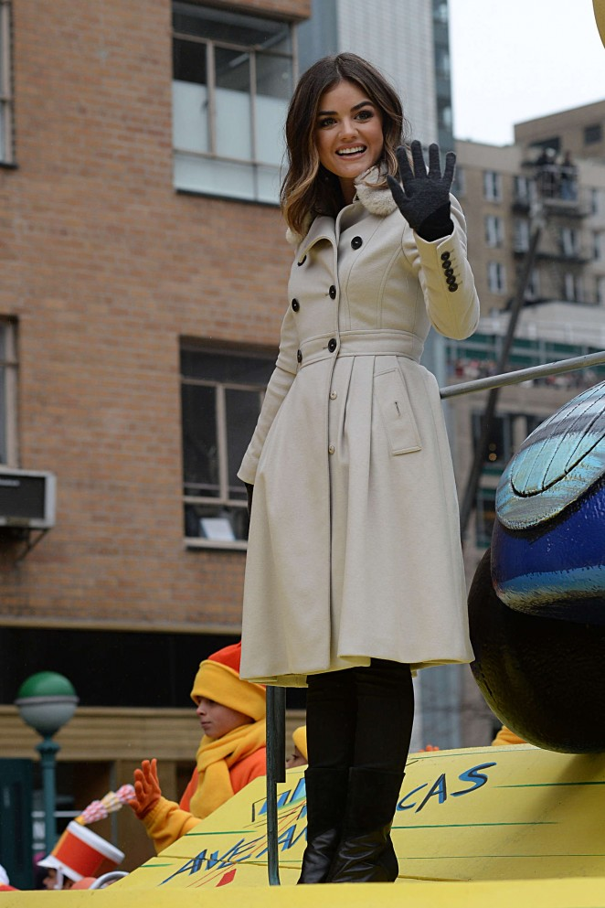 Lucy Hale: 2014 Macys Thanksgiving Day Parade -10