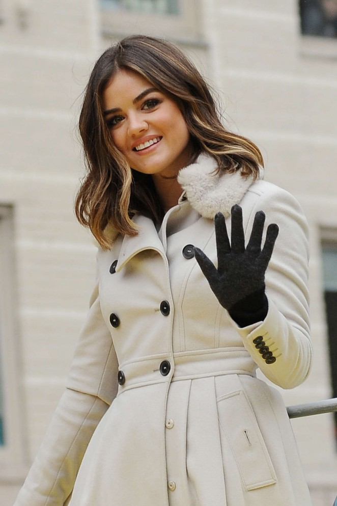 Lucy Hale: 2014 Macys Thanksgiving Day Parade -13