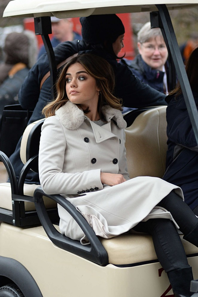 Lucy Hale: 2014 Macys Thanksgiving Day Parade -27