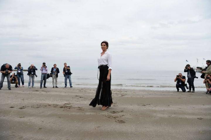 Luisa Ranieri – 2014 Venice Film Festival Photocall -09