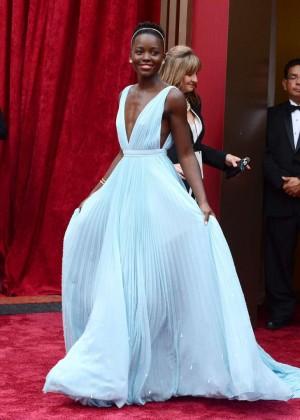 Oscar 2014: Lupita Nyongo -03