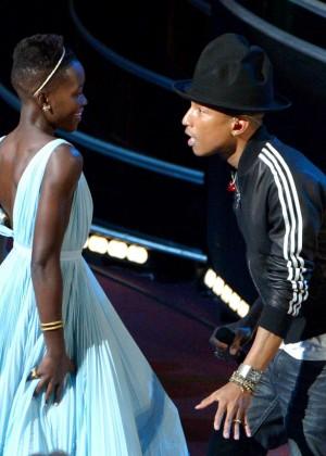 Oscar 2014: Lupita Nyongo -04