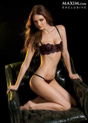 Lydia Hearst: Maxim Magazine -03
