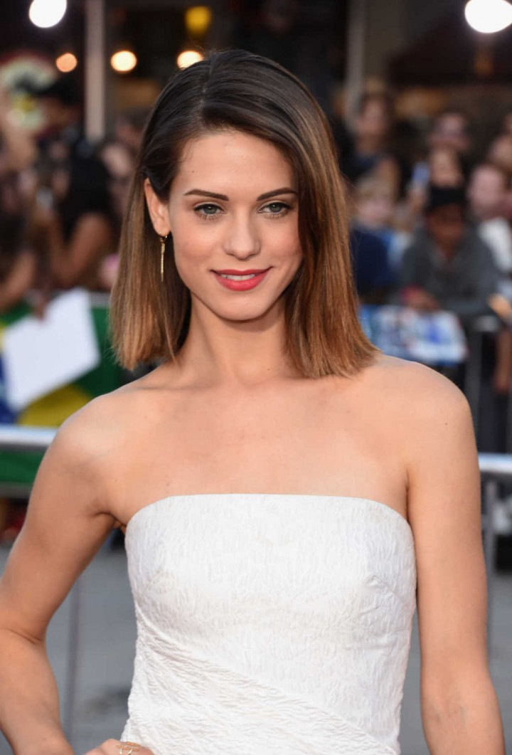 Lyndsy Fonseca - Neighbors premiere in Westwood -02