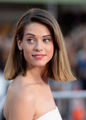 Lyndsy Fonseca - Neighbors premiere in Westwood -04