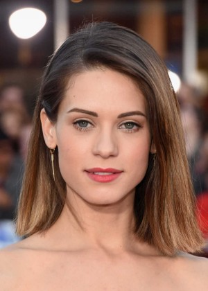 Lyndsy Fonseca - Neighbors premiere in Westwood -06