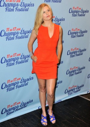 Maggie Grace orange mini skirt-02