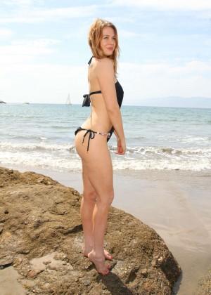 Maitland Ward in a Black Swimsuit -24