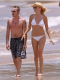 malin-akerman-bikini-on-the-beach-in-hawaii-18