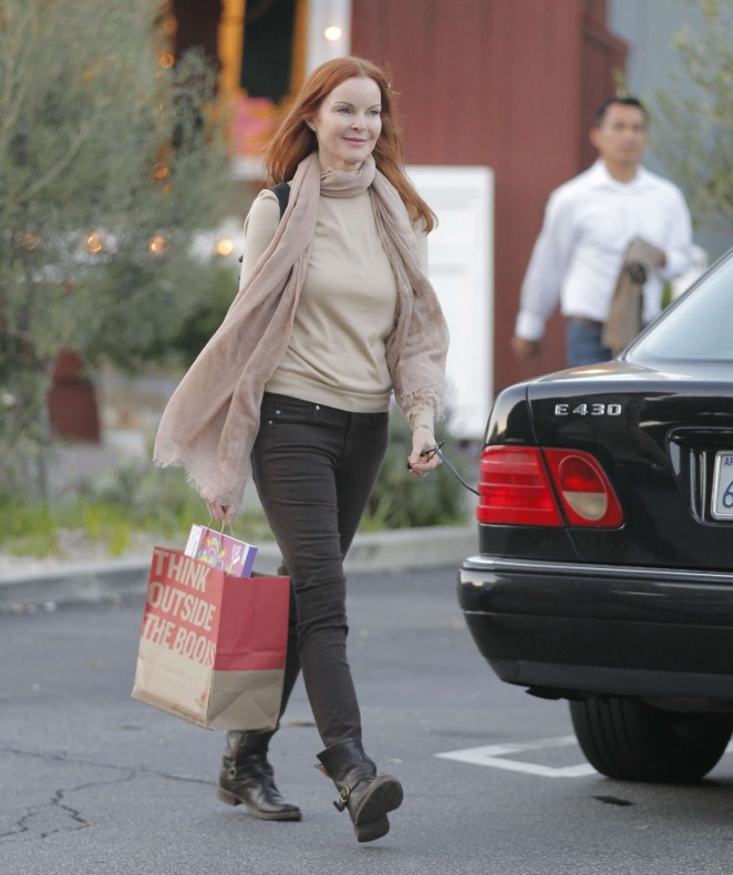 Marcia Cross - Out and about in Brentwood