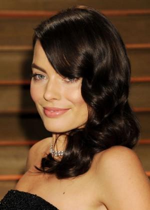 Margot Robbie: Oscar 2014 - Vanity Fair Party -01