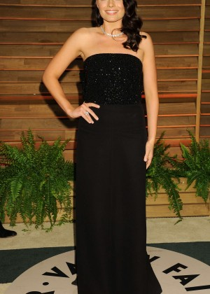 Margot Robbie: Oscar 2014 - Vanity Fair Party -08