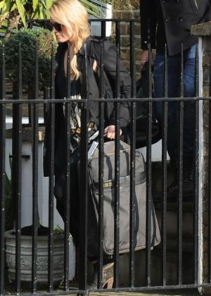 Margot Robbie In Spandex 01 Gotceleb
