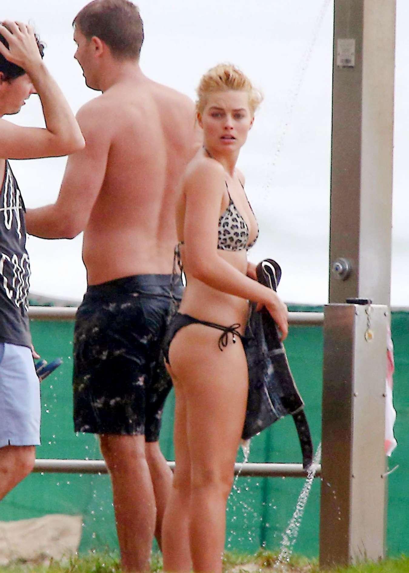 Robbie bikini margot Margot Robbie