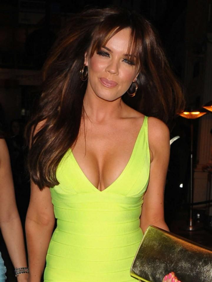 Maria Fowler in Yellow Dress -09