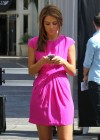 Maria Menounos legs in short dress-04